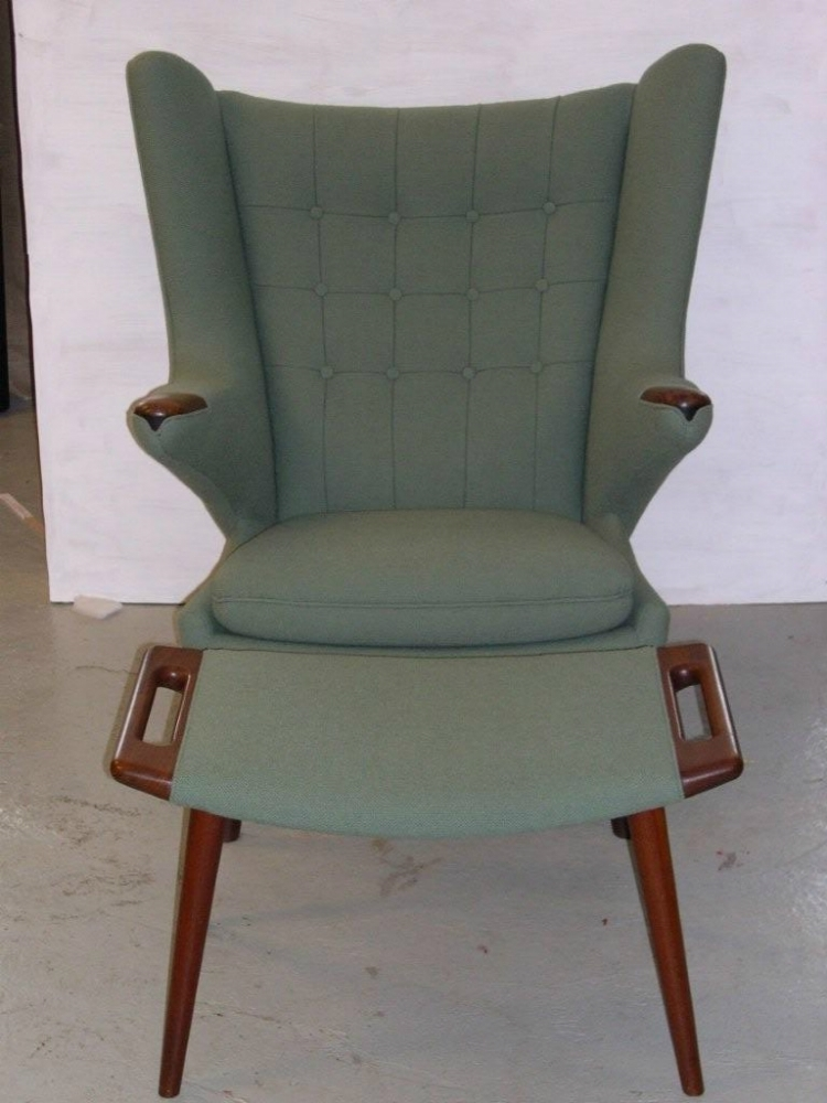 Ombetrukken-teaktræsstol-med-skammel